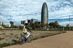(PepaAston) Tags: barcelona street streetphotography outdoor people torreagbar agbar colour