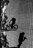 Santiago de Chile (Alejandro Bonilla) Tags: santiago chile street sony santiagodechile santiaguinos streetphotography santiagocentro santiagochile bw blancoynegro blackandwhite bn black urban urbano urbe urbana urbex u manuelvenegas minolta monocromo monocromatico sombras