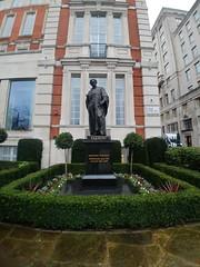 Michael Faraday, John Foley (Sculptor), Savoy Place, Westminster, London (1) (f1jherbert) Tags: lgg6 lgelectronicslgh870 lgelectronics lg g6 lgh870 electronics h870 londonengland london england uk unitedkingdom londongreatbritain greatbritain great britain londonunitedkingdom gb united kingdom