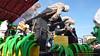 P1430737 (bebsantandrea) Tags: viareggio carnevale lungomare versilia carri maschere corso 11 febbraio 2018 balli gruppi coreografie concorso ironia satira politica giganti sfilata parata miss italia alice rachele arlanch costumi festa
