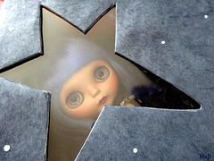 Through the box (Mad Blyther) Tags: blythe custom doll ooak maskanddolls mad poupee artdoll galaxy space star
