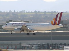 Germanwings A319-112 D-AKNM landing at STR/EDDS (AviationEagle32) Tags: stuttgart stuttgartairport flughafenstuttgart str edds flughafen germany deutschland airport aircraft airplanes apron aviation aeroplanes avp aviationphotography aviationlovers avgeek aviationgeek aeroplane airplane planespotting planes plane flying flickraviation flight vehicle tarmac germanwings eurowings lufthansagroup airbus airbus319 a319 a319100 a319112 daknm