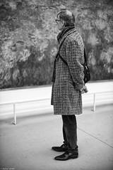 La contemplation (Mathieu HENON) Tags: leica m240 noctilux 50mm noirblanc blackwhite nb monochrome france paris 1ier arrondissement monet musée orangerie nymphéas contemplation