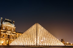Louvre (lyrks63) Tags: louvre museedulouvre musuem musée canon canoneos canon700d canon700 eos700d eos eos700 700d paris city france night nightscape bynight nuit