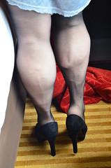 DSC_0019jj (ARDENT PHOTOGRAPHER) Tags: muscular calves flexing muscle legs muscularwoman