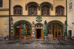 Ayingers Wirtshaus in München (Janos Kertesz) Tags: ayinger bier beer münchen munich bayern bavaria city building house travel architecture street facade tourism old door europe window town