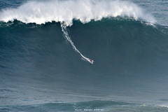 MARCELO LUNA / 9007LFR (Rafael González de Riancho (Lunada) / Rafa Rianch) Tags: paddle remada surf waves surfing olas sport deportes sea mer mar nazaré vagues ondas portugal playa beach 海の沿岸をサーフィンスポーツ 自然 海 ポルトガル heʻe nalu palena moana haʻuki kai olahraga laut pantai costa coast storm temporal