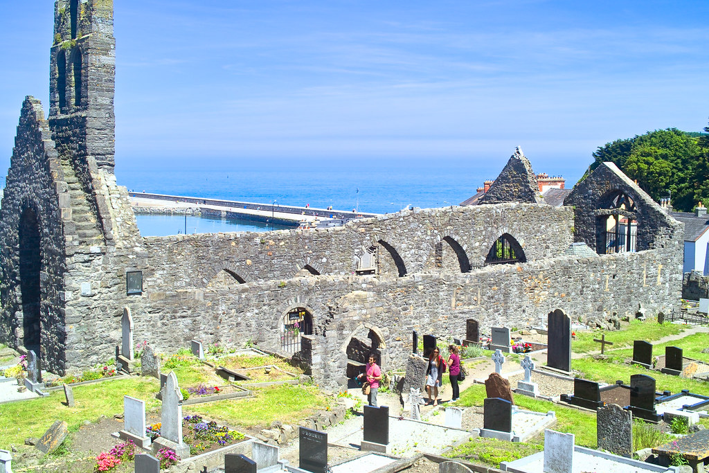BACK IN JANUARY 2009 I VISITED THE OLD GRAVEYARD IN HOWTH [I HAD TO LEAVE BECAUSE I WAS ATTACKED BY GULLS]-135876