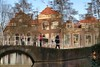 week 3: Hometown charm (MoniqueDK) Tags: delft tourists toeristen gracht canal 52weeksof2018 hometown
