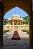 Gatore Ki Chhatriyan. Jaipur, India. (RViana) Tags: india southasia भारत 印度 インド inde indien индия architecture style design arquitectura estilo diseño larchitecture lestyle laconception architektur stil arquitetura