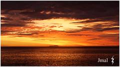 Caraguatatuba – Praia Capricórnio, SP - BR - Nascer-do-sol (Jmal,) Tags: caraguatatubapraiacapricórniospbr nascerdosol pôrdosol jmal ouro dourado sol