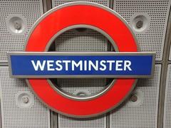 Eastbound, Jubilee Line, Westminster Tube Station, London (f1jherbert) Tags: lgg6 lgelectronicslgh870 lgelectronics lg g6 lgh870 electronics h870 londonengland london england uk unitedkingdom londongreatbritain greatbritain great britain londonunitedkingdom gb united kingdom