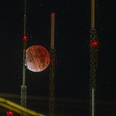 Super Blood Moon and Sutro Tower (bhautik_joshi) Tags: 70300 dualiso dualisoraw alignment astrophotography bloodmoon canon7d lunareclipse moon sanfrancisco sf superbloodmoon supersutrobloodmoon sutrotower telephoto tower california unitedstates us space claw spaceclaw