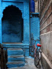 rajasthan - india 2018 (mauriziopeddis) Tags: blu city jodhpur rajasthan india città town street landscape bycicle reportage mccurry