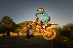 Saltando al Atardecer (diegogm.es) Tags: deporte motocross motos sariego villaviciosa olympus omd em1 omdrevolution mirrorless evil sinespejo microfourthirds microcuatrotercios micro43 sport motorbike jump salto