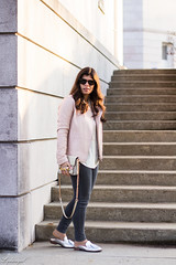Pink leather jacket, white silk blouse, grey denim, silver mules-18.jpg (LyddieGal) Tags: athleta grayson lineapelle blush coloreddenim denim fashion gap grey jcrew leatherjacket loafers mules officestyle outfit rayban silkblouse silver spring style sunglasses tjmaxx vionic wardrobe weekendstyle white