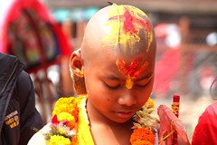 Hinduistic nepali boy (Charl0tte._D) Tags: asia kathmandu nepal flowers colours religion culture peopleofnepal nepali hinduism