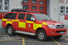 Galway County Fire Service 2010 Toyota Hilux Crew Cab Sidhean Teo L4V 10G2549 (Shane Casey CK25) Tags: galway county fire service 2010 toyota hilux crew cab sidhean teo l4v 10g2549 light four 4 wheel drive vehicle awd all jeep 4x4 red yellow battenburg man men officer station engine fireengine firebrigade firemen fireman fighter firefighter firestation firebrigadesociety fbs emergency rescue bluelights blue lights siren sirens lightbar