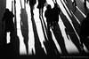 Schatten wo laufen Sie denn (woischnigthomas) Tags: menschen schatten bewegung bahnhof landungsbrücke