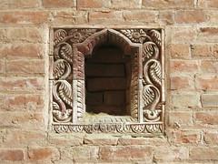 Fenêtre à Bhaktapur (Népal) (michele 69600) Tags: fenêtre window bhaktapur népal architecture newar