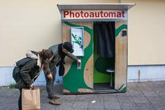 fotoautomat attente photos (Edwige7833) Tags: photoautomat streetphotography berlin kreuzberg