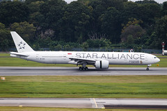 SINGAPORE AIRLINES B777-300ER 9V-SWI STAR ALLIANCE 002 (A.S. Kevin N.V.M.M. Chung) Tags: aviation aeroplane aircraft airport sin changi plane spotting singapore airlines apron staralliance runway