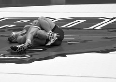 BRO-STA 149 2018-01-13 DSC_8160 bw (bix02138) Tags: brownuniversity brownbears stanforduniversity stanfordcardinal pizzitolasportscenter pizzitolasportscenterbrownuniversity providenceri january13 2018 wrestling sports intercollegiateathletics athletes jocks ©2018lewisbrianday 149pounds 149 zachkrause jakebarry