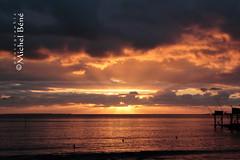 pornic (gimi.bene) Tags: sunset coucherdesoleil ocean mer borddemer eau ciel sable plage vague sky light cloud weather water rays wave