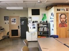 Redfern Arts Centre Room #304 (austindodgephotography) Tags: redfernartscenter redfern redferntheatre ksc artclassroom classroom architecture architektur architectuur keenestatecollege keenestate keenenh keene keenenewhampshire newhampshire nh newengland cheshirecounty 03435 college school uni chairs tables door
