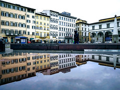 Piazza Santa Maria Novella (MelindaChan ^..^) Tags: santamarianovellachurch florence italy 義大利 佛羅倫斯 cathedral religion chanmelmel mel melinda melindachan piazza plaza
