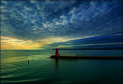Good Bye Dublin (angelofruhr) Tags: leuchturm morgenstimmung wolken hafen sonnenaufgang