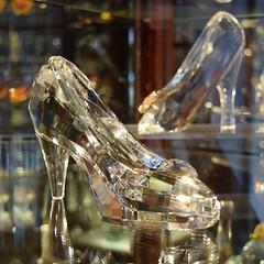 Disneyland Visit 2018-01-21 - Main Street - Crystal Arts - Arribas Glass Slippers (drj1828) Tags: disneyland visit 2018 mainstreet merchandise