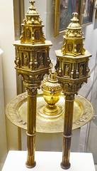 Museo Catedral de Burgos Cetros s.XVII plata dorada y esmalte (Rafael Gomez - http://micamara.es) Tags: museo catedral de burgos cetros sxvii plata dorada y esmalte