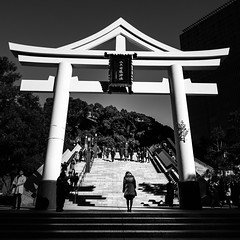 The bow - Tokyo, Japan - Black and white street photography (Giuseppe Milo (www.pixael.com)) Tags: streetphotography street city shrine contrast photo candid travel tokyo photography urban blackandwhite black bw japan white onsale faceless