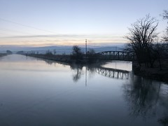 Aare-Hagneck-Kanal Morgenstimmung (puuh63) Tags: iphonex mystic water seeland aare nofilters iphone switzerland