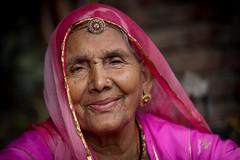 Inde: Rajasthan, portrait dans le village de Jojawar. (claude gourlay) Tags: inde india asie asia claudegourlay rajasthan jojawar portrait retrato
