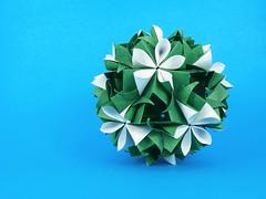 Romulea (masha_losk) Tags: kusudama кусудама origamiwork origamiart foliage origami paper paperfolding modularorigami unitorigami модульноеоригами оригами бумага folded symmetry design handmade art