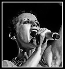 Dolores O'Riordan / The Cranberries  RIP (1971-2018) (Scottspy) Tags: doloresoriordan blackandwhite musicphotos bw thecranberries irish music gigs concertphotography faces rip musicphotographer concerts singing beauty closeups livemusicphotography scottspy candidportraits