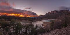 Embalse de la Toba. (Amparo Hervella) Tags: embalsedelatoba cuenca españa spain nube panorámica color naturaleza largaexposición d7000 nikon nikond7000 comunidadespañola nwn