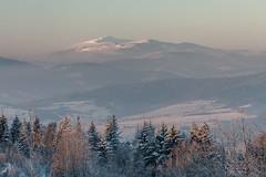 Babia Góra (Kajfash) Tags: canoneos5dmarkii canonef70300mmf456lisusm beskid kudłacze babiagóra landscape polska poland krajobraz winter zima poranek morning