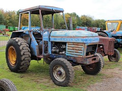 Leyland 255 tractor (Nivek.Old.Gold) Tags: leyland 255 tractor cheffins