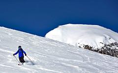 Pink, Black, White or Blue? 😉 (Free.heel) Tags: movementflair movementskis telemarkskiing freeheelskiing freshtracks austria zurs skiing offpiste nikond810 nikkor2485mmf3545gedvrlens