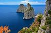Capri, ce n'est jamais fini! (Ciceruacchio) Tags: isleofcapri faraglioni tyrrheniansea martirreno mertyrrhénienne gulfofnaples golfodinapoli baiedenaples campania campanie napoli naples italy italia italie iralien nikon neapel