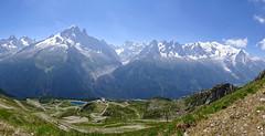 Panorama Mont Blanc range. (elsa11) Tags: chamonix montblancmassif montblanc laflégère frenchalps hautesavoie mountains merdeglace montagnes france frankrijk alpen alpes alps glacier gletscher gletsjer panorama