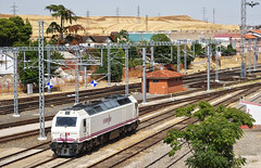 333.403 en Salamanca (lagunadani) Tags: alstom prima 333 333400 renfe estacion salamanca locomotora diesel ferrocarril tren