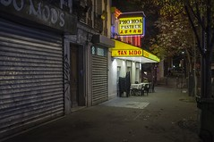 . (Le Cercle Rouge) Tags: paris france olympiades chinatown 75013 darkness light store restaurant night nuit streets