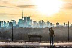 View from Riverdale Park (A Great Capture) Tags: bench agreatcapture agc wwwagreatcapturecom adjm ash2276 ashleylduffus ald mobilejay jamesmitchell toronto on ontario canada canadian photographer northamerica torontoexplore winter l'hiver 2018 city downtown lights urban colours colors colourful colorful light sun sunny sunshine sunlight cityscape urbanscape eos digital dslr lens canon rebel t5i skyline towers tower scenery scenic sky himmel ciel cloudy outdoor outdoors vibrant cheerful vivid bright streetphotography streetscape photography streetphoto street calle park parc crain crains haze mist explorethedonvalley donvalley superpark