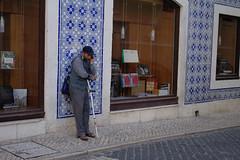 Lisbon (Caró) Tags: lisboa lisbon portugal europa europe euro eu ue outdoors outdoor street candid city cidade ciudad ciutat urban urbano sun sunny verão verano sommer summer chiado bertrand livraria bookstore livrariabertrand