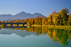 A wonderful morning in October at the Saalbrücke (echumachenco) Tags: saalach saalachufer saalbrücke river water reflection blue sky tree wood forest autumn fall autumncolors outdoor landscape mountain mountainside chiemgaueralpen alps hochstaufen zwiesel train railway railwaybridge bridge shore grass freilassing berchtesgadenerland bavaria bayern salzburg germany deutschland austria österreich