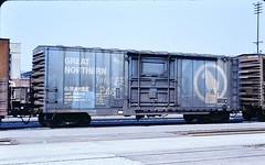 Great Northern 40-foot grain-loading boxcar at San Bernardino in 1978 0193 (Tangled Bank) Tags: old classic heritage vintage train trains railroad railroads railway railways north american western great northern 40foot grainloading boxcar san bernardino 1978 0193 gn bn rolling stock freight cars california 1970s 70s